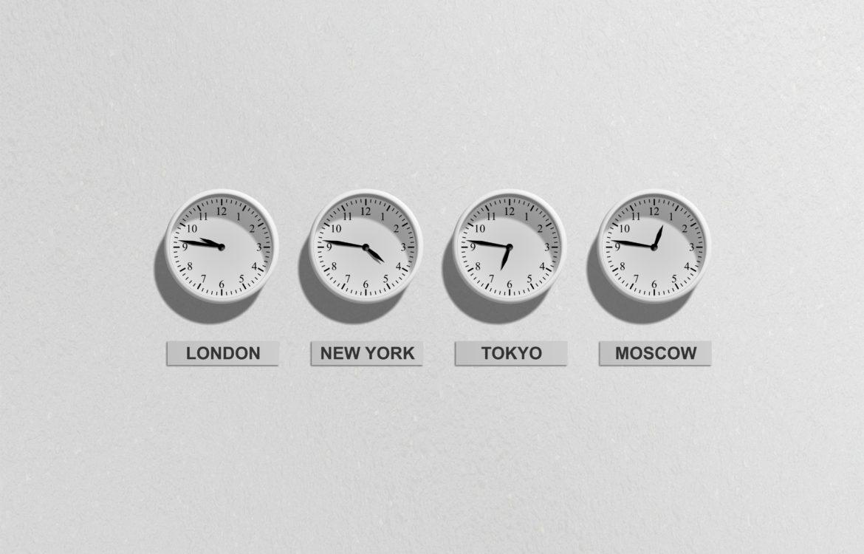 4 Clocks that illustrate time management